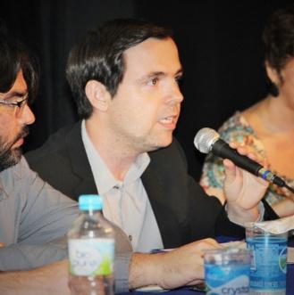 O coordenador do curso de Jornalismo do FIAM-FAAM-Centro Universitário, Vicente Darde, comenta sobre a importância de se fazer iniciação científica na graduação