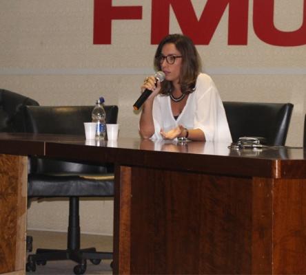 Bárbara Bono comenta sobre necessidade de se pensar diferente na área de RP e em se comunicar com os influenciadores por meio das redes digitais