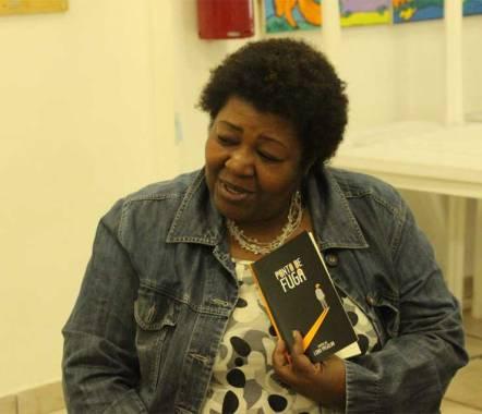 Com a professora Maria Lúcia Silva as crianças participaram de contação de histórias