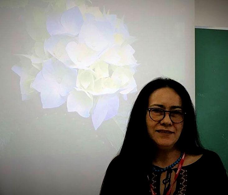 Elizabeth Del Nero Sobrinha, líder do Comitê de Pesquisa e Iniciação Científica, celebra o crescimento do evento e o interesse por parte dos alunos Crédito: Fabíola Tarapanoff