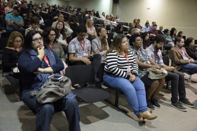 Professores e alunos participam do Simpósio. (crédito: Eduardo Batista)