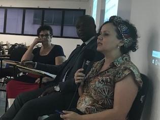 (da esq. para dir. )professora de História da FMU Maria Cecília Martinez; o advogado Robson de Oliveira e a diretora da Ação Educativa, Ednéia Gonçalves e a doutora em educação e professora Neide Cristina da Silva;