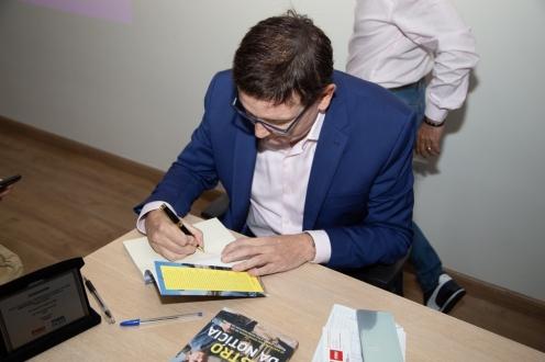 cabrini autografando_FIAM_090
